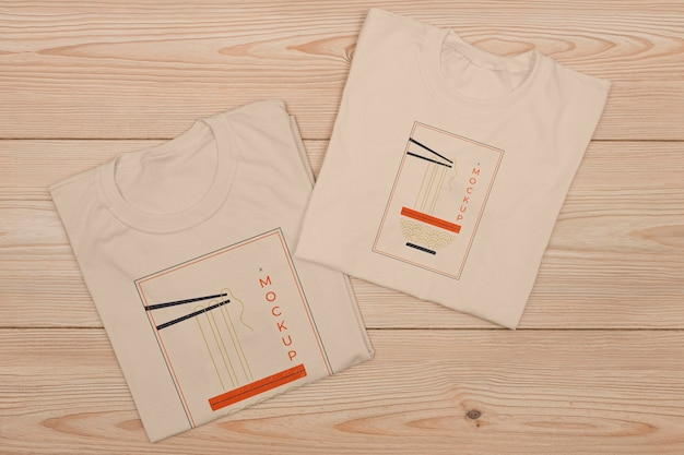Vista superior de la maqueta del concepto de camiseta
