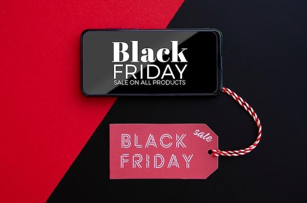 Vista superior de la maqueta del concepto de viernes negro con etiqueta de precio