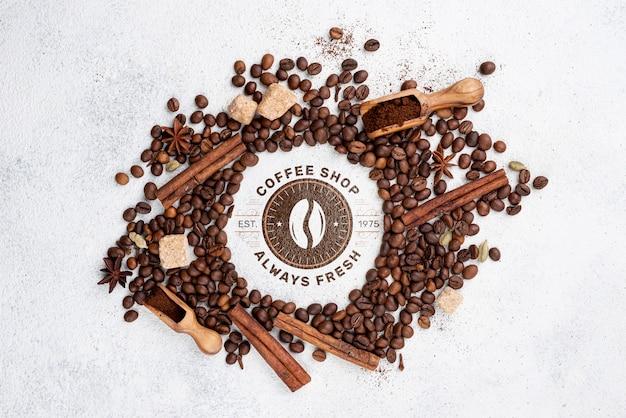 Vista superior maqueta de granos de café
