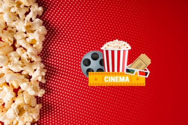 Vista superior de la maqueta de palomitas de maíz y cine