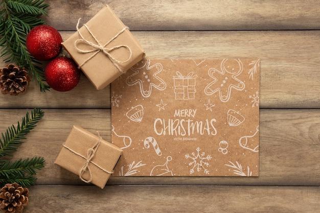 Vista superior de regalos de navidad con maqueta