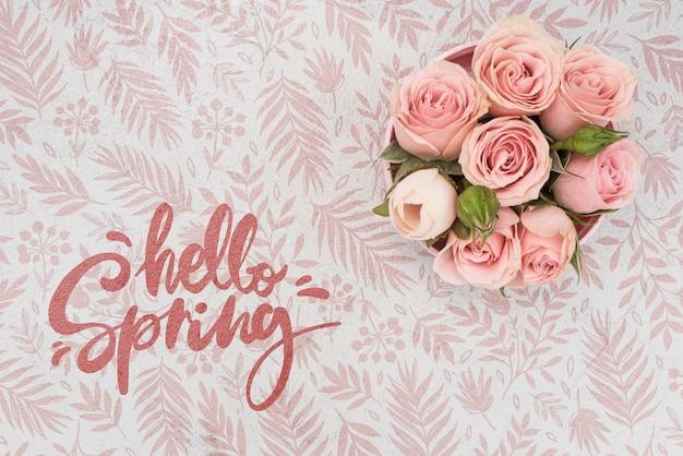 Vista superior de rosas rosadas de primavera