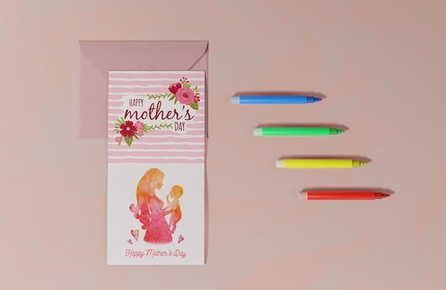 Vista superior tarjeta de felicitación del día de las madres