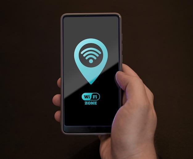 Vista superior del teléfono inteligente con conectividad 5g