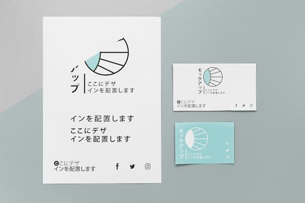 Vista superior de varios documentos de maquetas japonesas