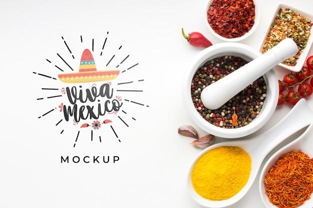 Viva mexico mock-up en assortiment van kruiden