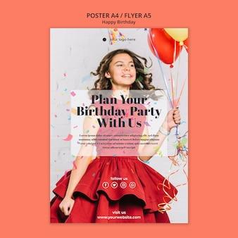 Volantino di buon compleanno con ragazza in abito rosso