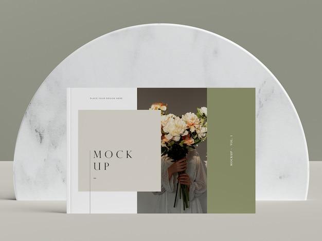 Vooraanzicht cover met bloemen redactionele tijdschrift mock-up