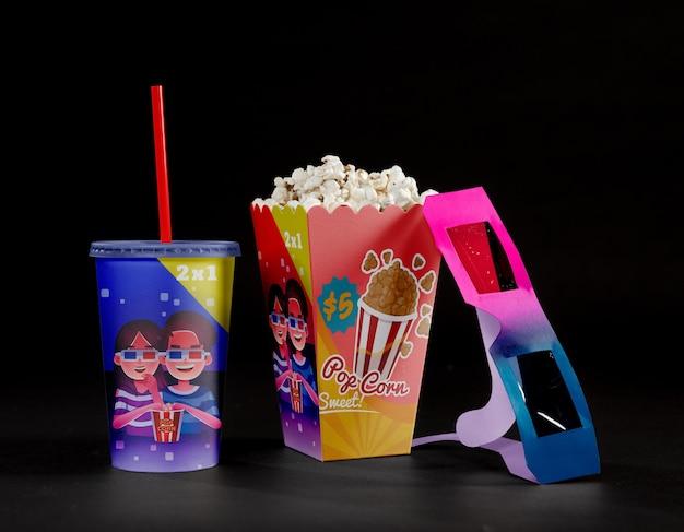 Vooraanzicht van bioscoop popcorn met driedimensionale bril