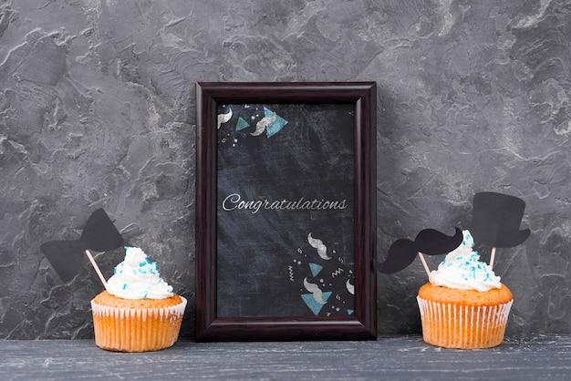 Vooraanzicht van frame met cupcakes voor vaderdag