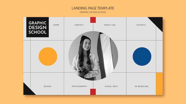 Vrouw die een bestemmingspagina voor een cursus grafisch ontwerp volgt