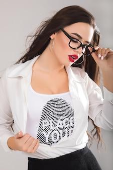 Vrouw t-shirt mock-up Premium Psd