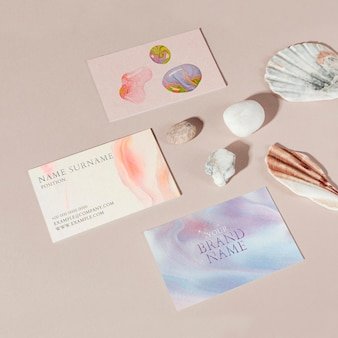Vrouwelijke visitekaartjes mockup psd handgemaakte experimentele kunst