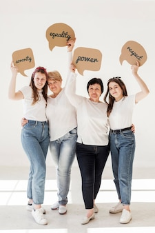 Vrouwengemeenschap met positieve berichten