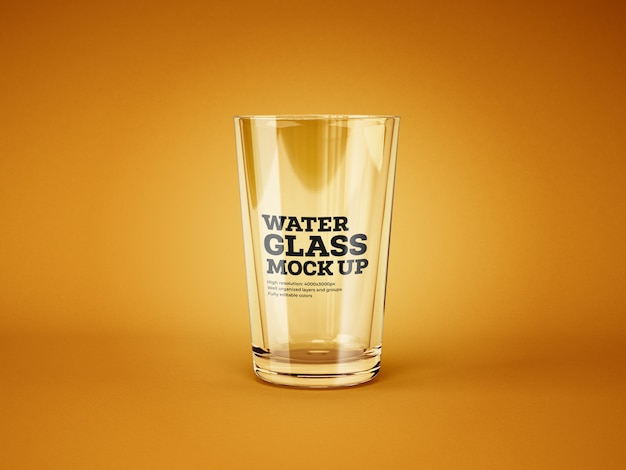 Water en cocktailglas mockup