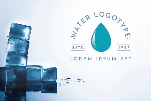 Water logo mockup op copyspace