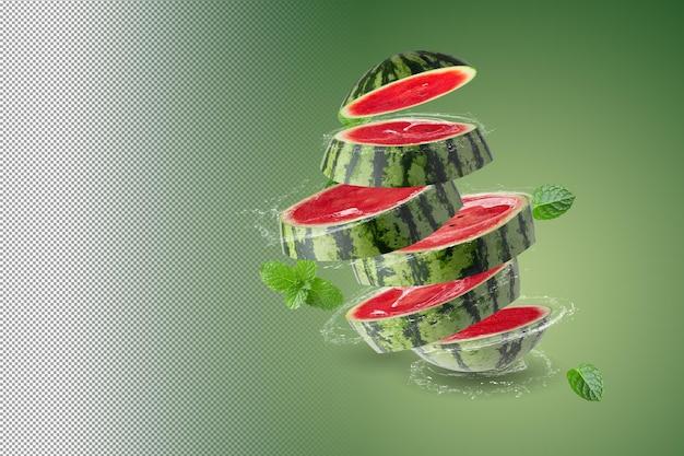 Water spatten op verse watermeloen geïsoleerd op alpha background Premium Psd