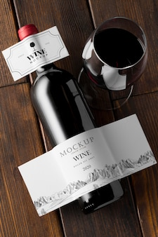 Wijnfles en glasetiket mock-up bovenaanzicht