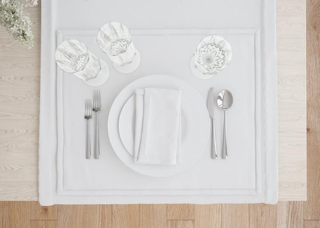 Witte tafel instelling