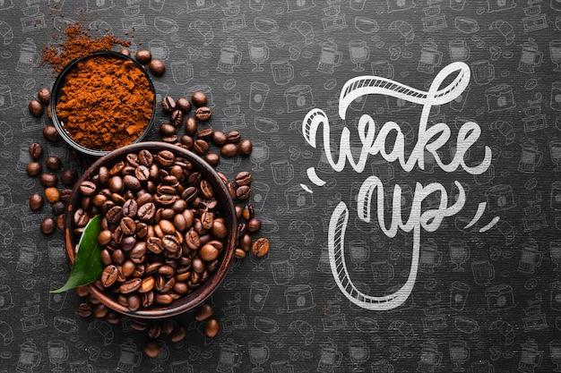 Word achtergrond met komhoogtepunt van koffiebonen wakker
