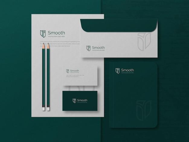 Zakelijke briefpapier mockup met reliëfeffect in luxe stijl