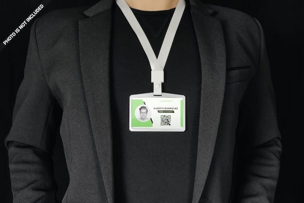 Zakenman die identiteitskaart om geïsoleerd nekontwerp draagt