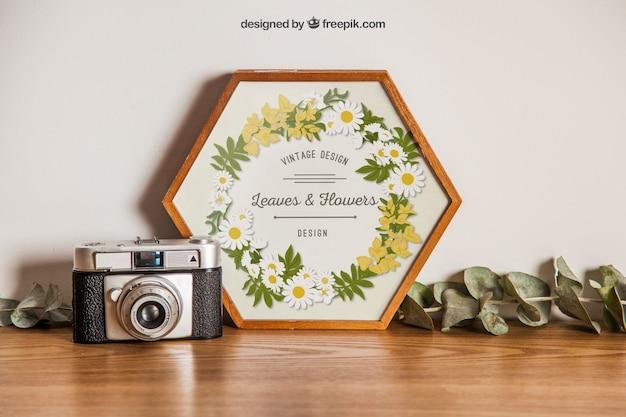 Zeshoekige frame mockup met camera