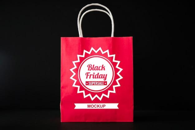Zwarte vrijdag mockup met boodschappentas