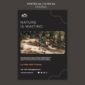 Affiche de modèle d'annonce de randonnée