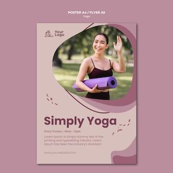 Affiche de modèle de cours de yoga