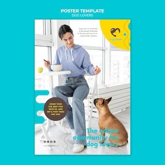 Affiche verticale pour les amoureux des chiens avec propriétaire féminin