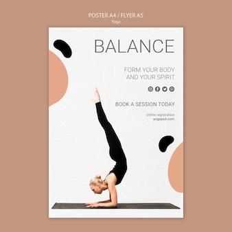 Affiche de yoga avec femme exerçant