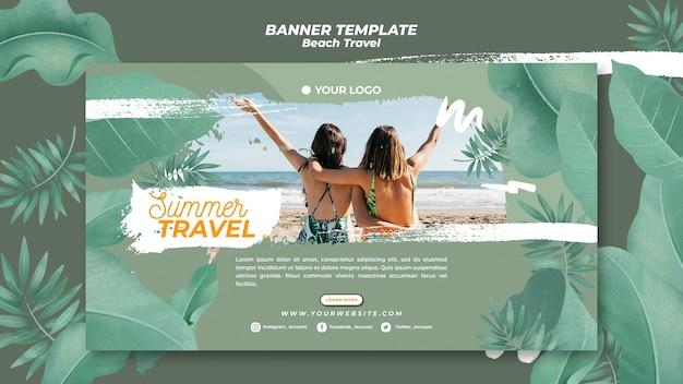 Amis sur la bannière de voyage d'été plage