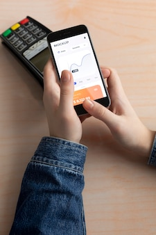 Application de paiement sur l'écran de la maquette du smartphone