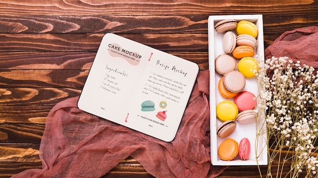 Arrangement de délicieux macarons à plat