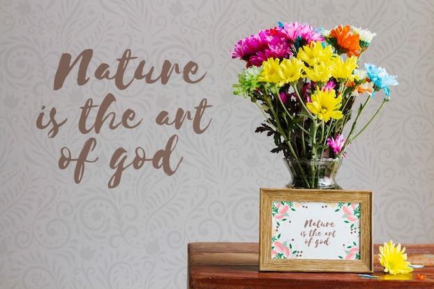 Arrangement du concept de fleurs colorées
