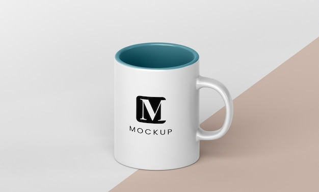 Arrangement minimal de tasse à café avec espace de copie