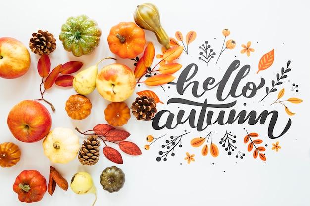 Arrangement naturel mignon avec bonjour automne citation