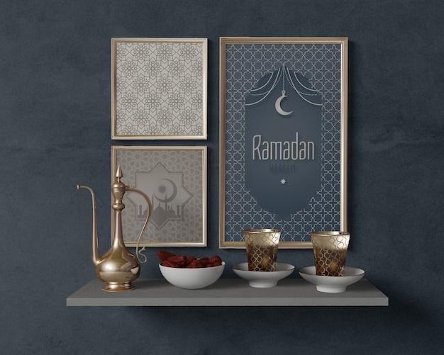 Arrangement de ramadan festif avec maquette de cadres