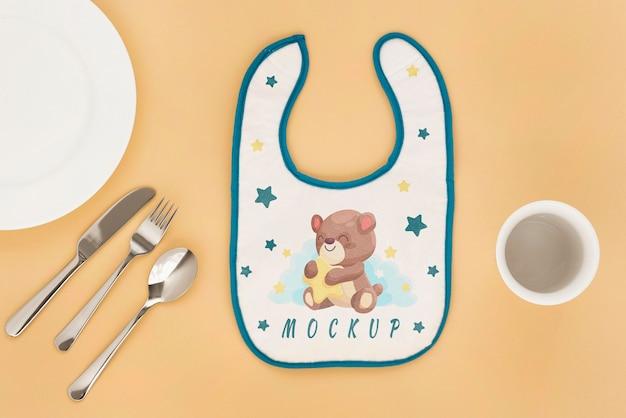 Assortiment d'éléments d'alimentation pour bébé