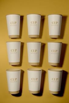 Assortiment d'éléments de café jetables