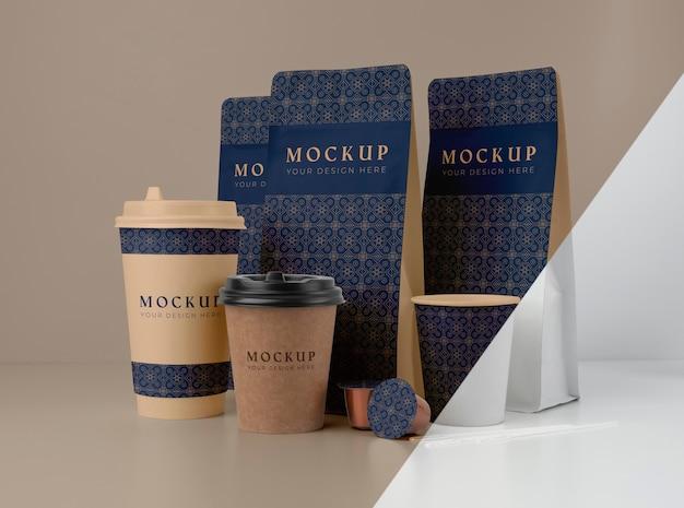 Assortiment de maquettes d'éléments de café