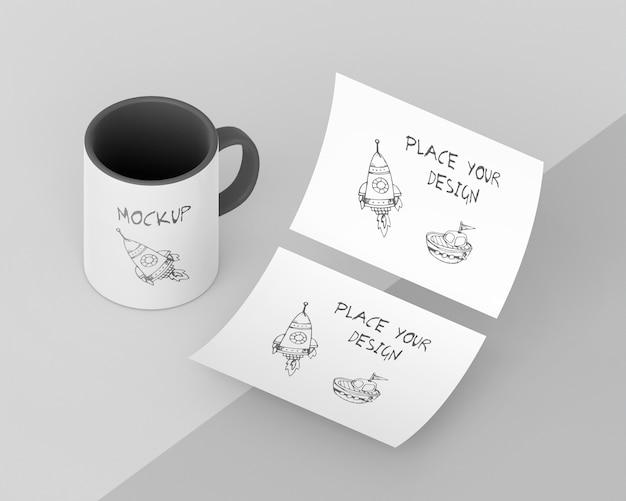 Assortiment de maquettes de tasses personnalisées