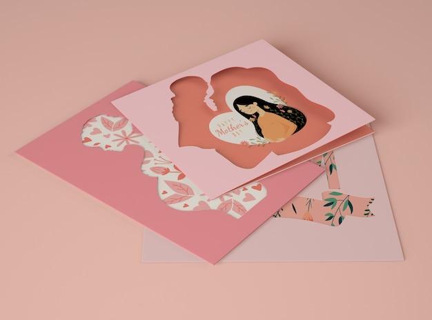 Assortiment pour la fête des mères avec maquette de carte