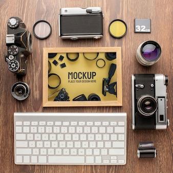 Atelier de photographe avec assortiment de maquettes de cadres