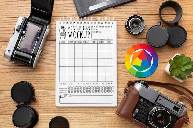 Atelier photographe avec maquette de cahier