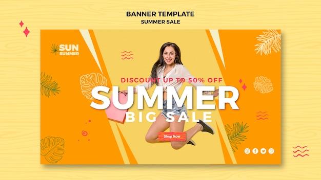 Bannière de grande vente d'été modèle fille