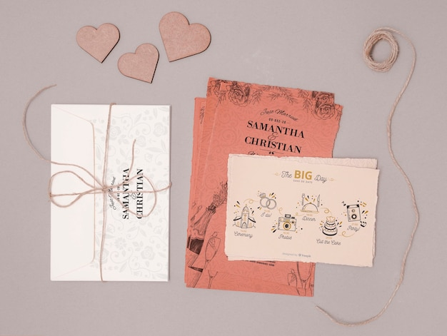 Belle invitation de mariage avec coeurs