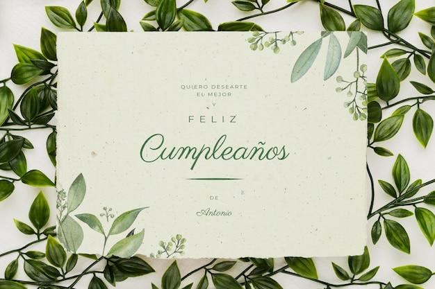 Belle maquette de concept d'invitation florale