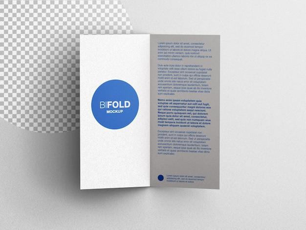 Bifold papeterie brochure flyer maquette scène créateur plat poser isolé